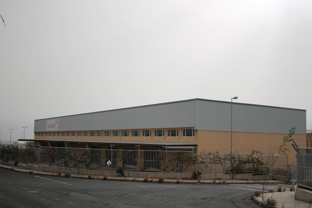 Almac n agentes de carga aeropuerto de gran canaria trama for Arquitectura naval e ingenieria maritima